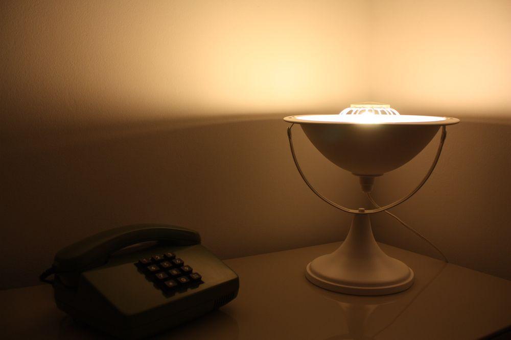 Lampe parabole calor blanche neige design vintage upcycling 2